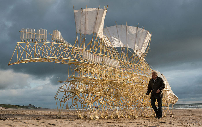 Dutch Artist Creates Wind-Powered Walking Sculptures