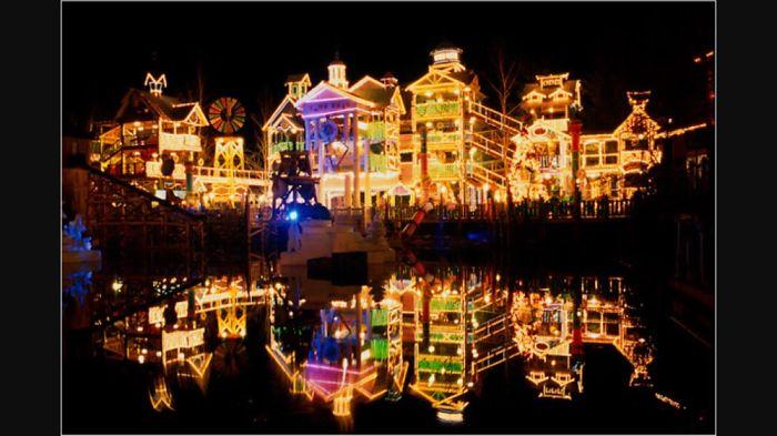 Top Ten Christmas Light Scenery