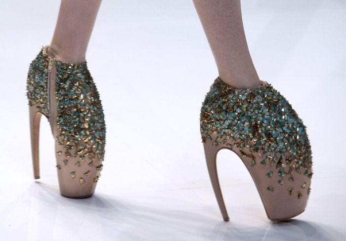 10+ Crazy Shoes