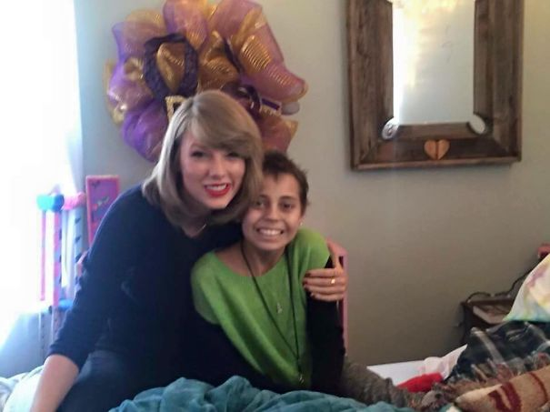 Taylor Swift Goes To Colorado To Visit A Little Girl With Cancer Who Wanted To Meet Her