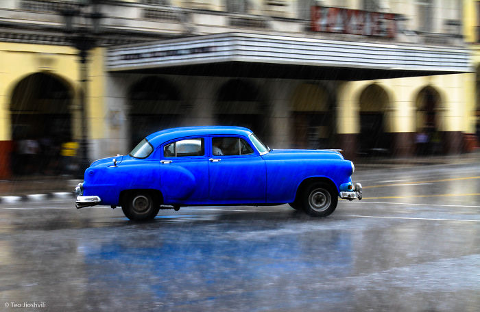Photographing Havana's Old Colorful Cars, Or The City Where Time Has Stopped