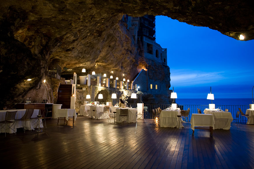 restaurant built inside an italian cave let s you dine with breathtaking views bored panda. Black Bedroom Furniture Sets. Home Design Ideas