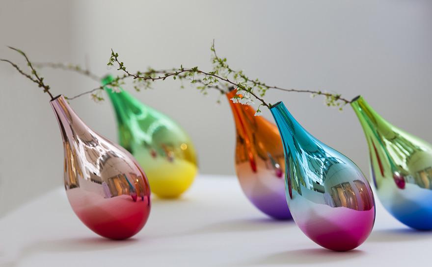 swinging-vase-petals-fall-keisuke-fujiwara-1