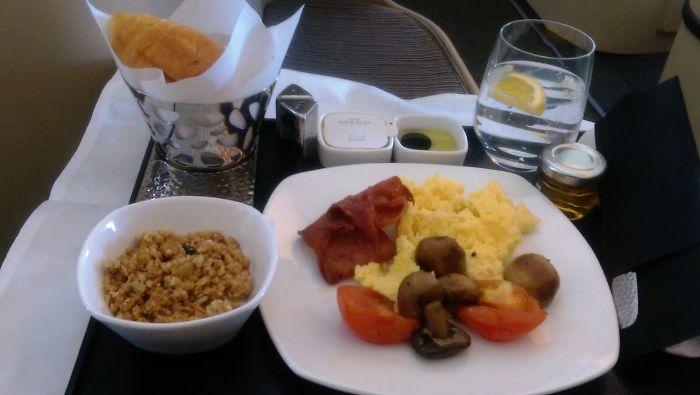 Etihad Business Class (breakfast)