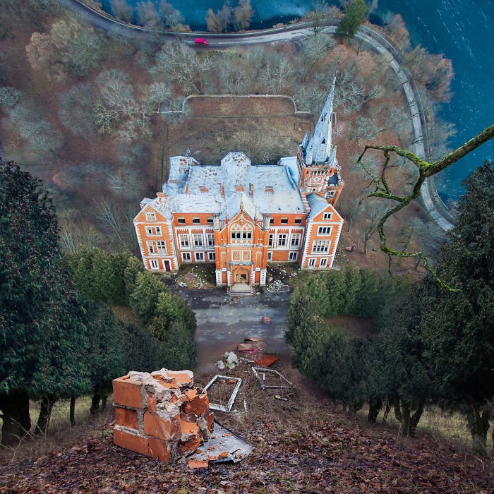 Abandoned Lentvaris Manor – 2016