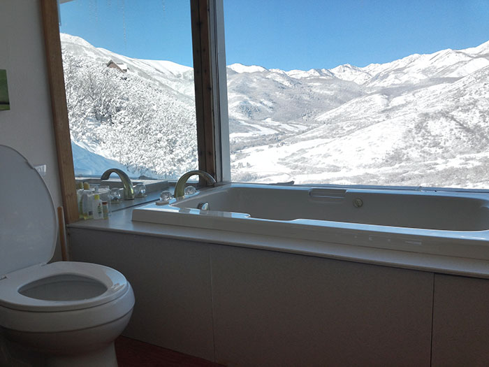 People Post Toilet Views From Around The World To Show Where They Pee And Poo