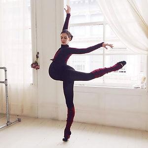 9-months-pregnant Ballerina Is Still Dancing