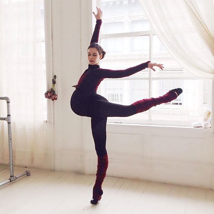 9-months-pregnant Ballerina Is Still Dancing