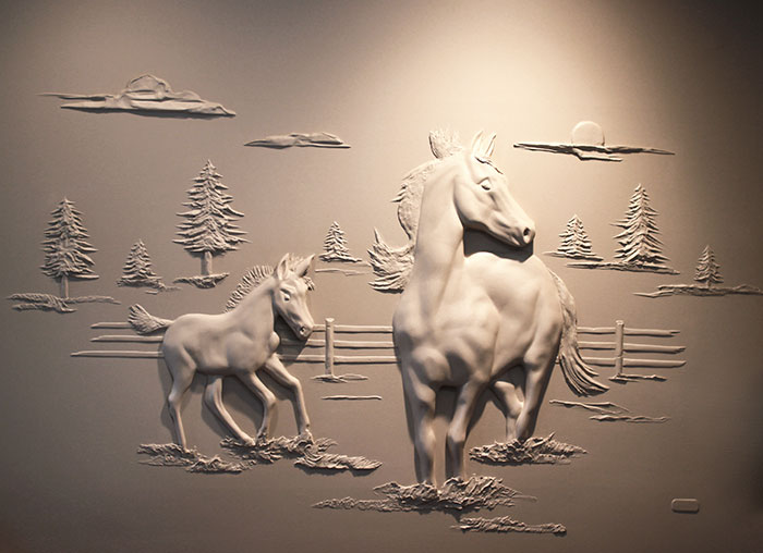 Drywall Worker Creates Stunning 3D Art Using Only Joint Compound