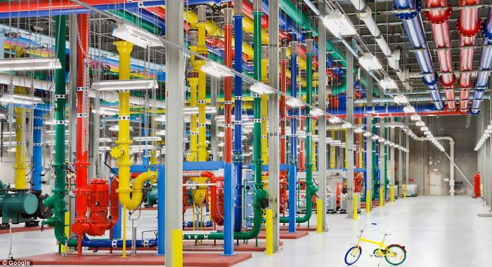 Even Google Data Center Has The Same Color Decoration