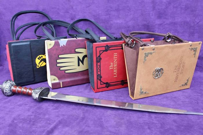Finally! Handbags To Show Off Your Literary Styled Fandom
