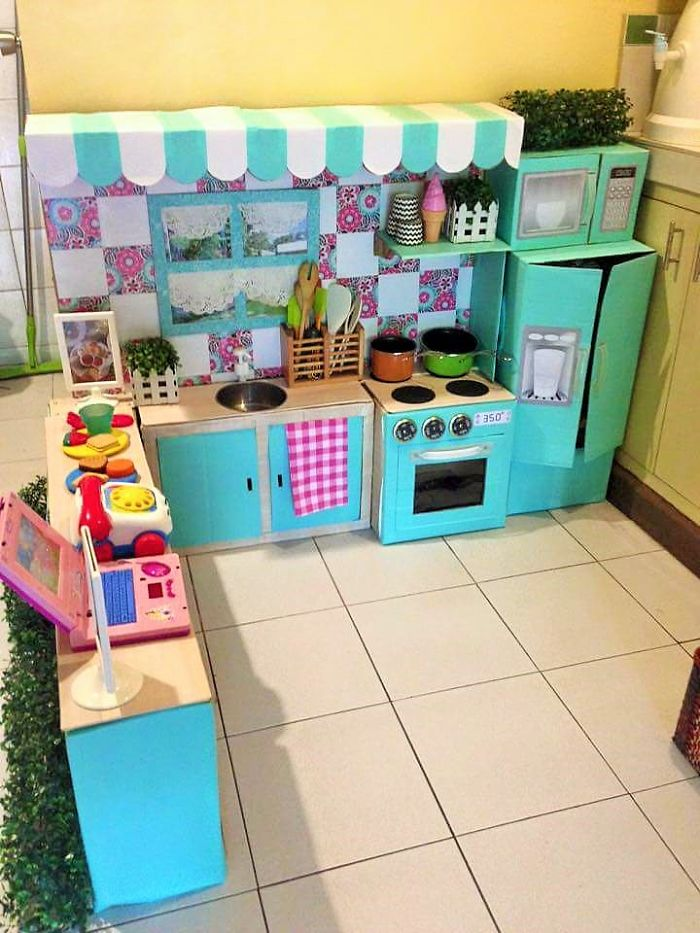 To Jazz Up The Mini Kitchen Mommy Rodessa Used Her Daughter S Existing Toys Complete Look