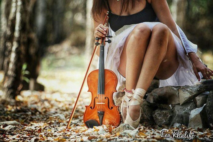 Violinist Dancer