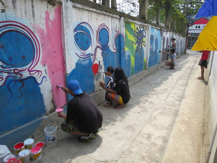 Bandung Locals Joined Together To Repaint Their Boring Walls With Vivid Colours
