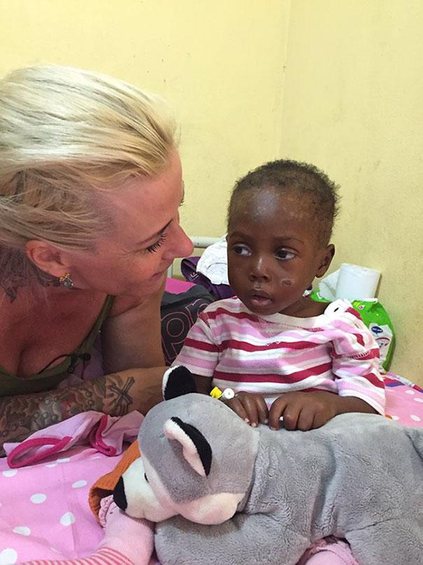 nigerian-starving-thirsty-boy-hope-rescued-anja-ringgren-loven-28