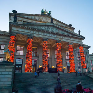 Chinese Artist Covers Berlin's Konzerthaus With 14,000 Refugee Life Jackets
