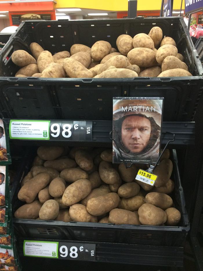 the-martian-potatoes-advertisement-guerrilla-marketing-albert-bartlett-1