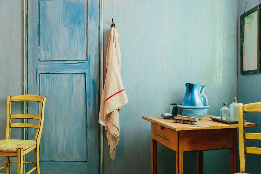van-gogh-room-airbnb-art-institute-chicago-1