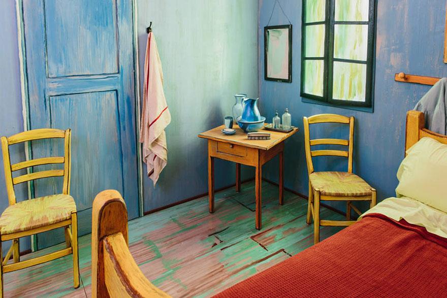 van-gogh-room-airbnb-art-institute-chicago-3