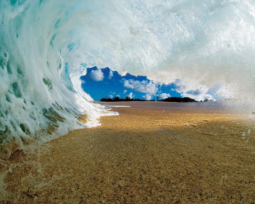 Foto-Foto Ombak Pantai Ini Akan Membuatmu Takjub Karena Keindahannya