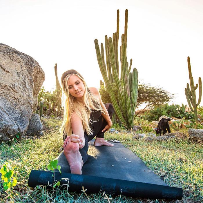 yoga-goat-penny-rachel-brathen-60