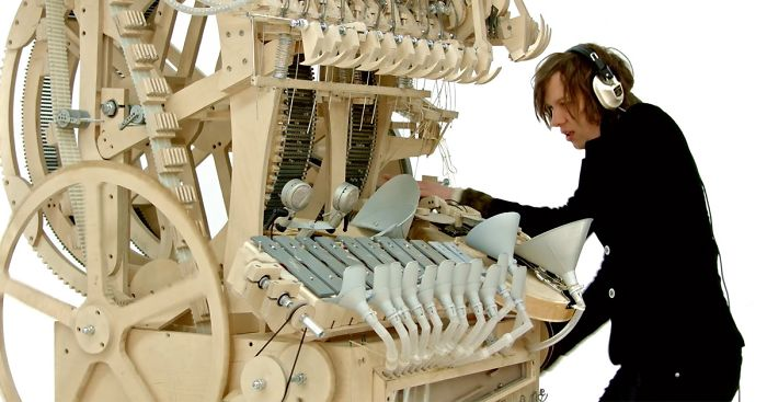 This Crazy New Instrument Uses 2000 Marbles To Make Music