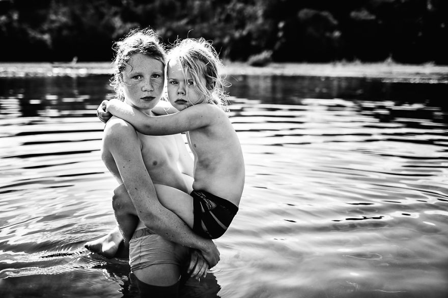 Sisters By Niki Boon, New Zealand (1st Place In The Lifestyle Category, Second Half)