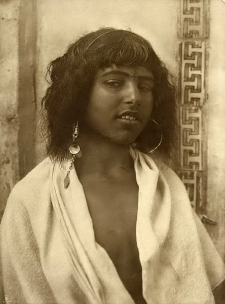 Old-photos-of-North-African-women-1.jpg