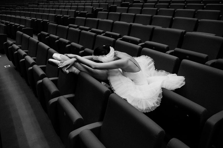 Russian Ballet Photographer Darian Volkova Shares Behind The Stage Life Of Dancers