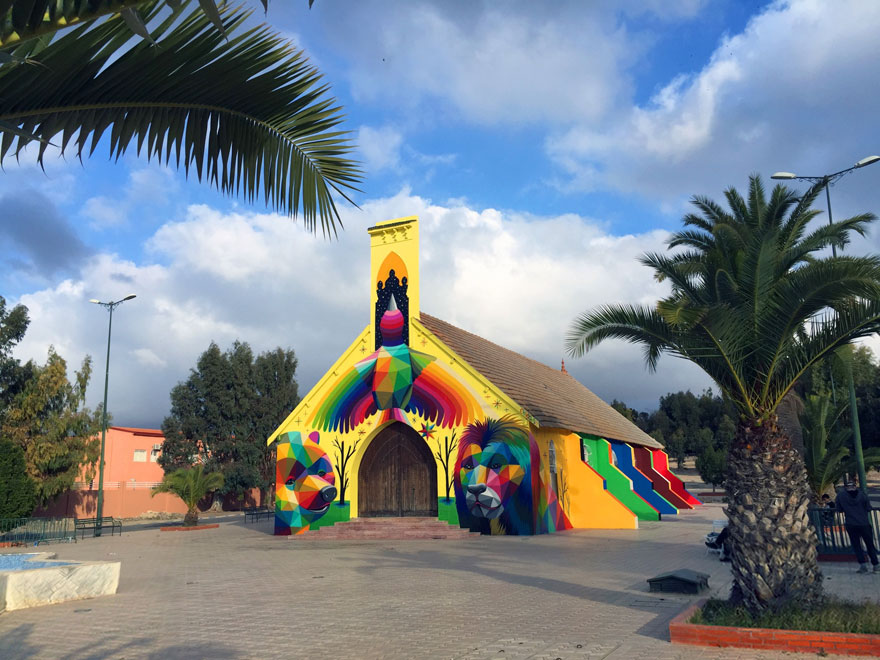 abandoned-church-painted-urban-street-art-okuda-san-miguel-morocco-2