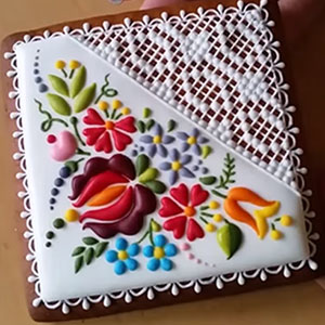 Hungarian Chef Turns Ordinary Cookies Into Stunning Embroidery-Inspired Art