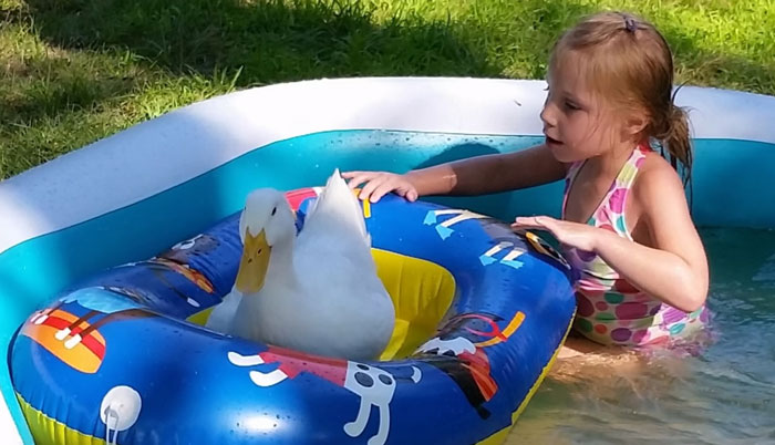 girl-best-friends-duck-snowflake-kylie-brown-54