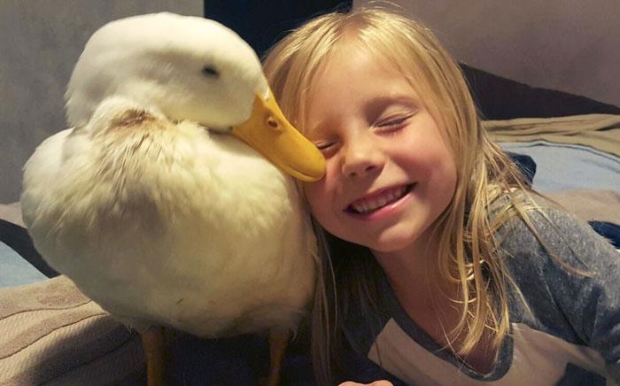 girl-best-friends-duck-snowflake-kylie-brown-59