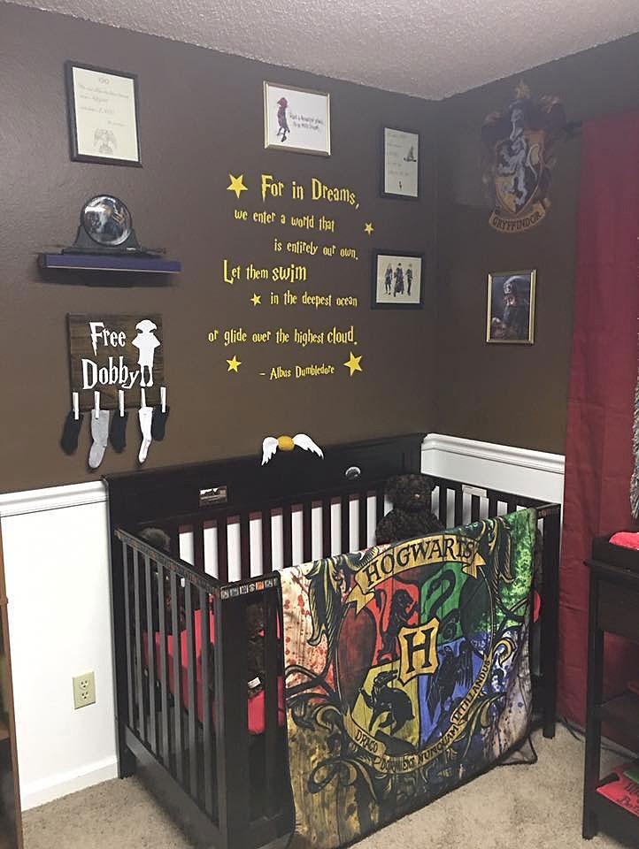 harry-potter-themed-baby-nursery-20