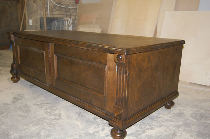 The New  Used Old-style Furniture