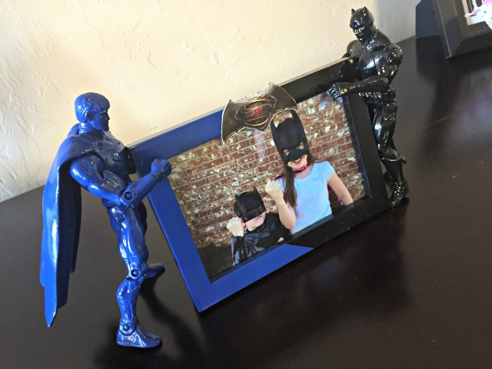I Made This Batman V. Superman Upcycled Picture Frame For My Kids