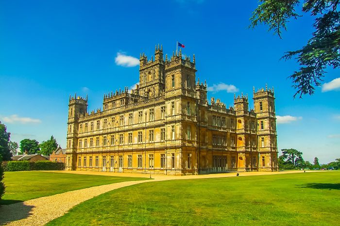 I Wrote About Where Downton Abbey Was Filmed Because It Was Easier Than Crying