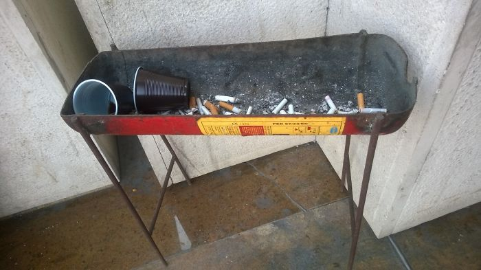 Ashtray Made of A Fire Extinguisher