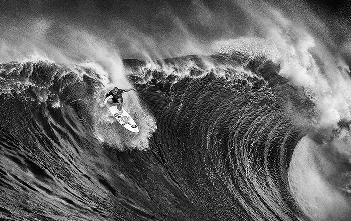 I've Spent A Month In Hawaii Photographing Stunning Waves And Surfers