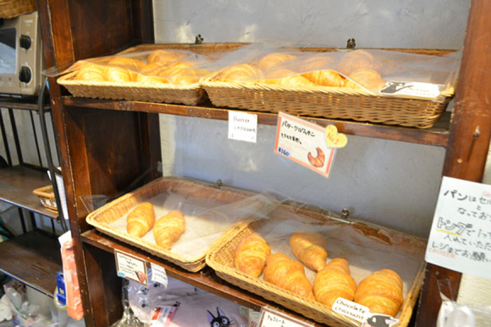 kiki-bakery-studio-ghibli-hayao-miyazaki-yufuin-floral-village-japan-31