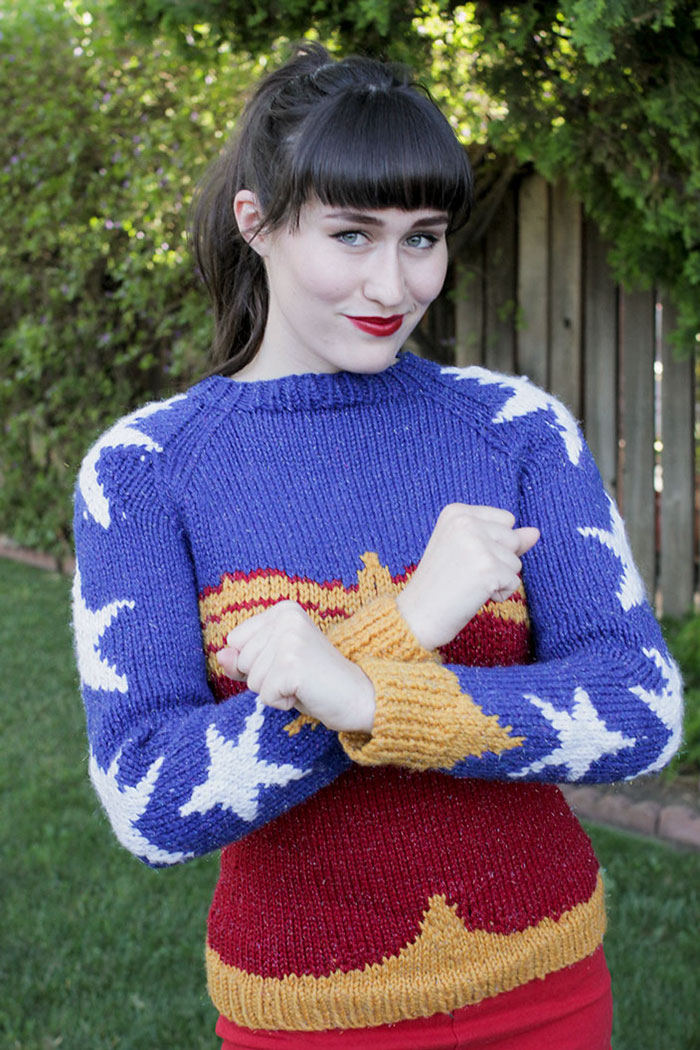 knitted-wonder-women-sweater-1