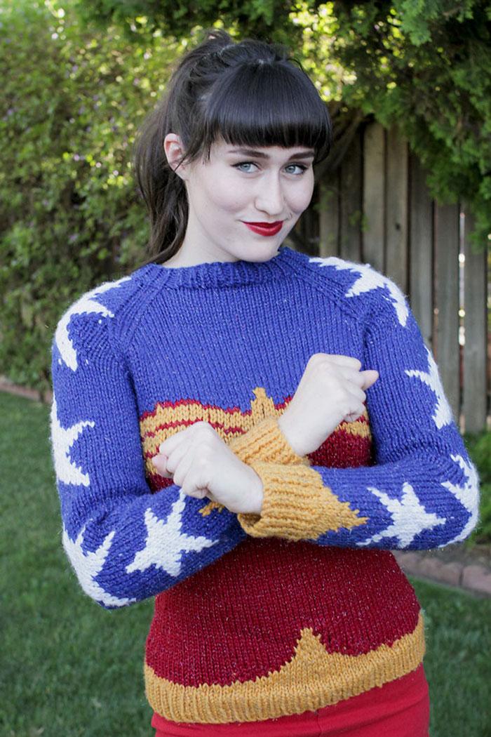 knitted-wonder-women-sweater-1