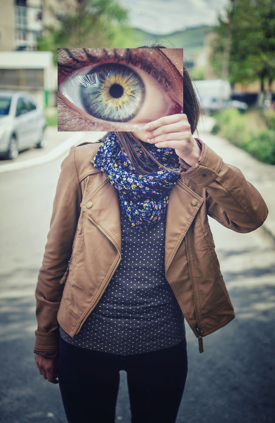Look Into My Eyes: I Photograph Unique Patterns Of People's Eyes