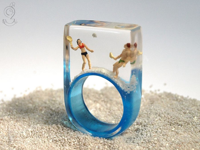 miniature-worlds-inside-jewelry-isabell-kiefhaber-18