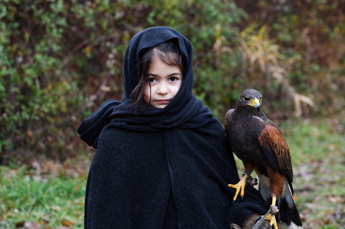Mom Takes Pictures Of Daughter Posing As Fictional Characters She Loves (Part 2)