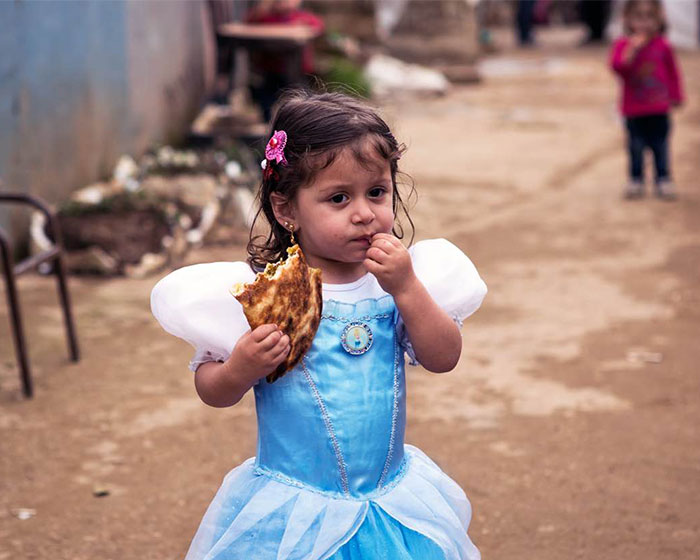 Once Upon A War: Syrian Refugee Kids Dress Up As Disney Princesses To Show The Importance Of Education