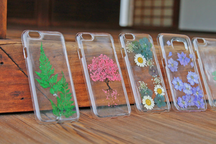 Phone Cases Made With Real Flowers! Carry A Bit Of Nature With You