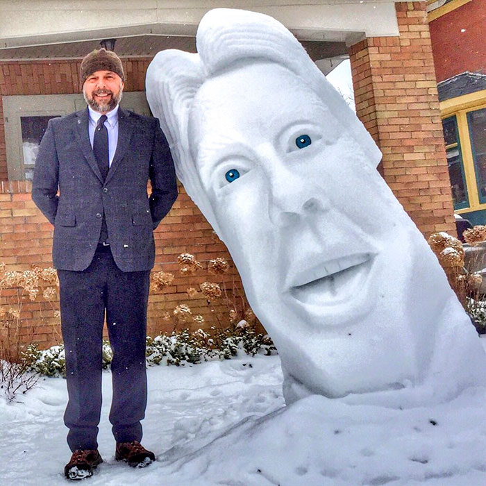 I Make 7-Feet Tall Snow Sculptures In My Front Yard