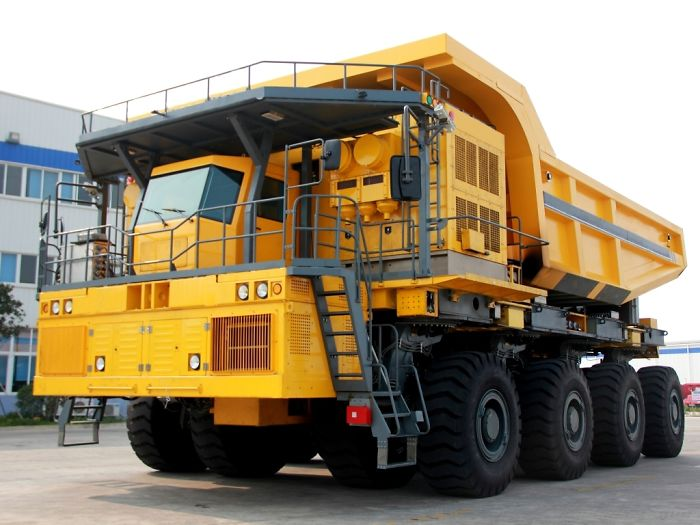 Tippers Battle: Belaz And Cat Vs China Wtw220e