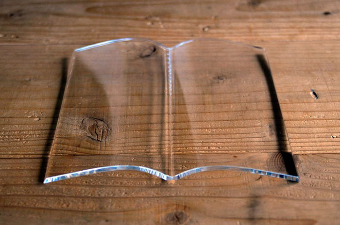transparent-book-on-book-weight-holder-pages-acrylic-tent-11